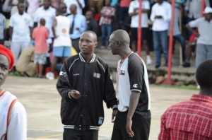 2 arbitres  du Championnat de basket-ball au Burundi ( Photo: akeza.net )