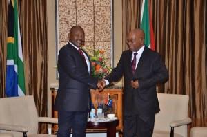 Le très populaire Président africain du Burundi, S.E. Pierre Nkurunziza et  S.E. Jacob Zuma, Président de l'Afrique du Sud (Photo :presidence.gov.bi)