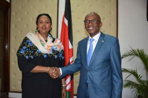 Mme Amina Mohamed, Ministre des affaires étrangères du Kenya et  M. Alain aimé Nyamitwe, Ministre burundais des Relations Extérieures et de la Cooperation Internationale ( Photo :@AMB_A_Mohammed )