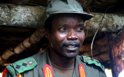 Joseph Kony, leader of the Lord's Resistance Army, is seen during a meeting with Ugandan officials and NGO representatives in Congo, near the Sudan border, July 31, 2006. voanews.com