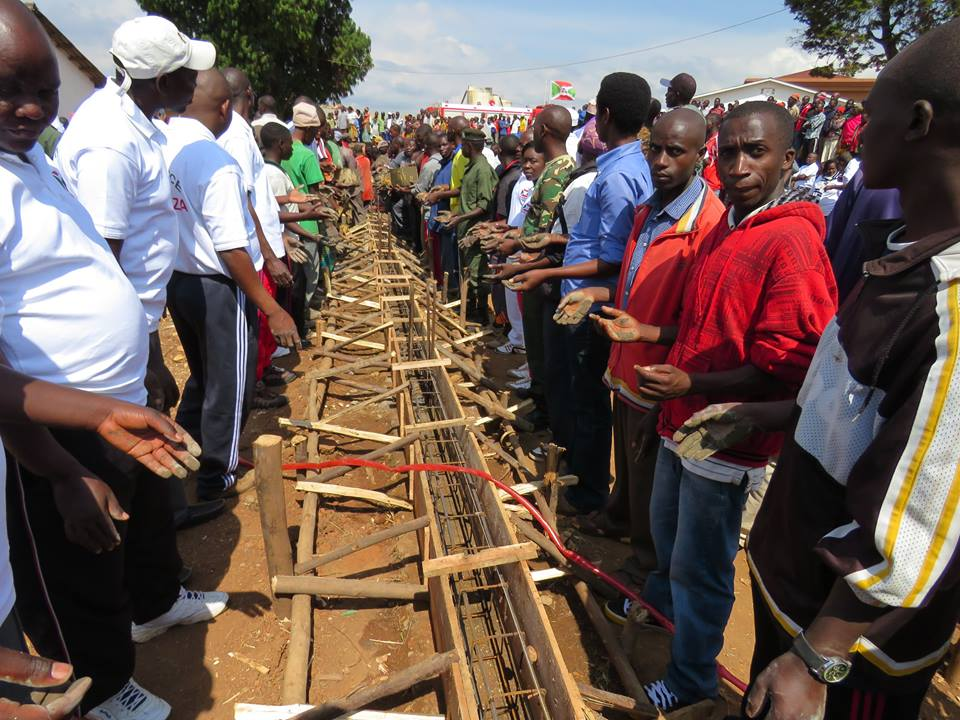Burundi : TDC - Travaux d'extension de l'hôpital de Kayanza ( Photo : assemblee.bi )