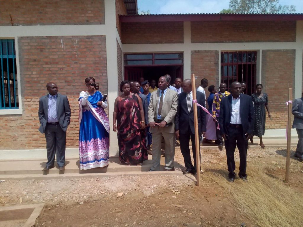 Burundi : Inauguration du bureau de la Direction Communale de l'Enseignement de Butezi - Ruyigi ( Photo : M. NYAMWERU Anicet 2016 )
