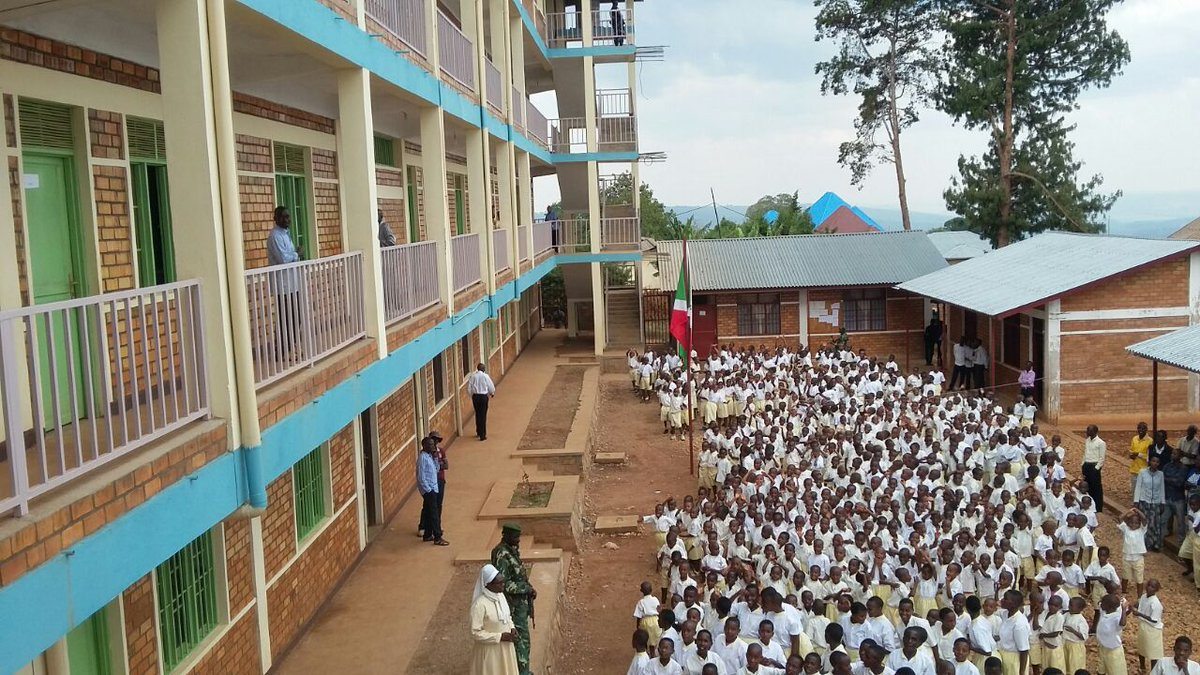 Burundi : Inauguration de l' Ecole Saints Archanges – NGOZI ( Photo : Geneviève NDAYISENGA 2016)