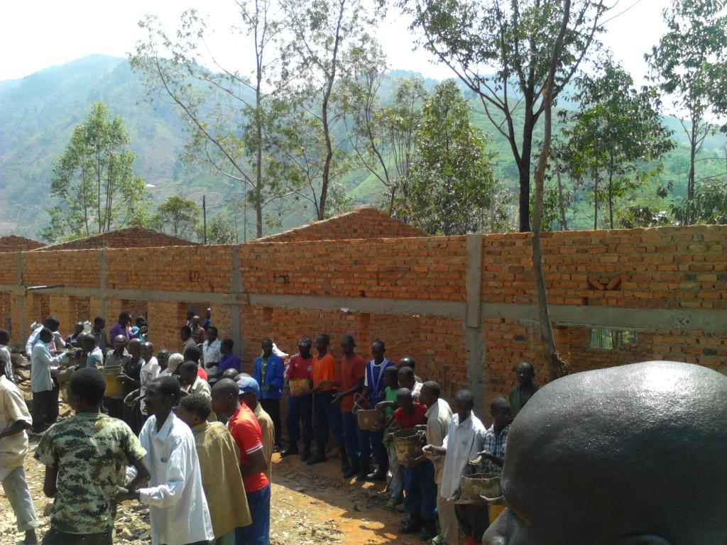 Burundi : TDC à Bururi – Extension du lycée communal de Kajabure ( Photo : Assemblée Nationale   2016 )