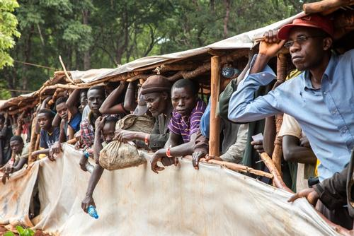 More than 300 people arrive each day in Nduta camp, originally designed for 50,000 people but now hosting over 65,000. ( Photo : Louise Annaud/MSF )