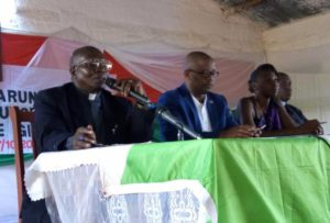 Burundi – dialogue interburundais : Kirundo / Bugabira – La formation patriotique aux forces de défense et de sécurité ( Photo : CNDI 2016 )