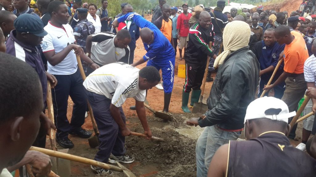 Burundi : TDC à Makamba - Construction du bureau du chef de colline Kanzege ( Photo : Senat.bi 2016 )