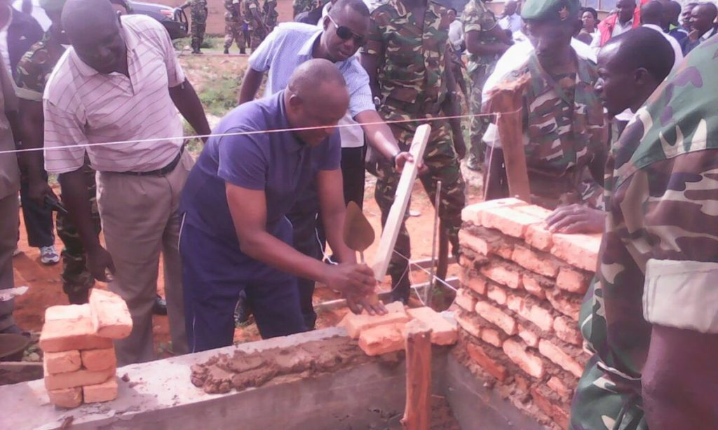 Burundi : TDC à Ruyigi - Construction de la future Université de Ruyigi ( Photo : Evelyne Maniragaba 2016 )