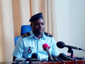 L'officier Pierre Nkurikiye,porte-parole de la Police Nationale Burundaise (PNB) - Photo : bujumburanewsblog.wordpress.com
