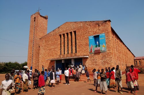 Eglise de RUTOVU, Bururi (Photo : newfarm - panoramio.com )