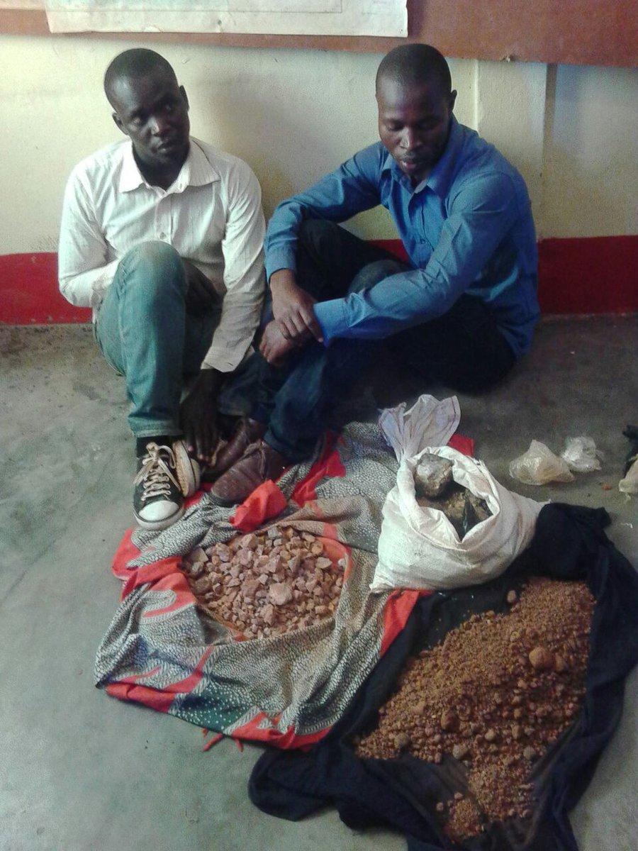 Trafic du Coltan du Burundi vers le Rwanda : 1070 kg de Coltan burundais saisis à Ngozi ( Photo : ikiriho 2017 )