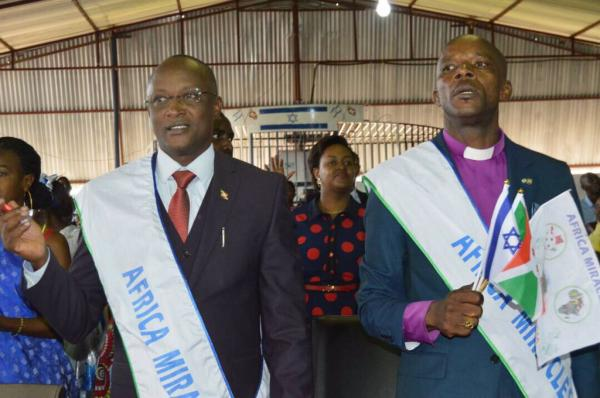 Burundi : Israël Church prie pour les Barundi ( Photo : RTNB 2017 )