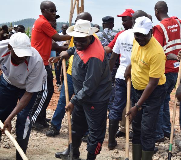 Burundi : TDC - Construction des bureaux de TUJANE microfinance à Bubanza ( Photo : RTNB 2018 )