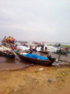 Burundi : Flux massifs de réfugiés congolais sur le TANGANIYKA Photo : Police Nationale du Burundi - PNB  2018