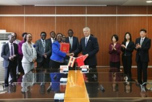Muloni and Shoujun sign the cooperation MoU (Image: CNNC)
