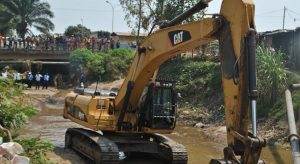 Burundi : Travaux de curage de la rivière Mutimbuzi ( Photo : ABP 2018 )