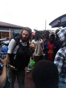 Burundi : Robert Powell du film Jésus-Christ de Nazareth à Muyinga ( Photo : @Crocoaluozi 2018 )