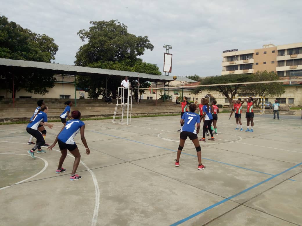 Burundi : Volley ball, Dames - AS bat New Colombe par 3 sets à 0 ( Photo : AKEZA BURUNDI NET 2019 )