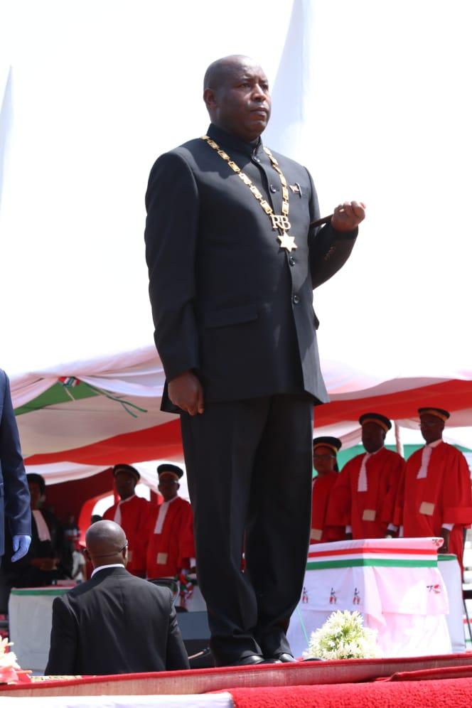 Burundi : S.E. G.M. NDAYISHIMIYE Evariste a prêté serment ...